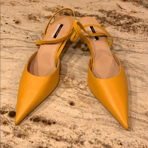 👠Brand New Yellow Topshop Leather Heels